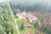 Waldrandlage Anwesen mit 2 Wohnhäusern