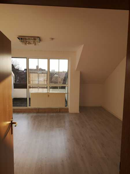 Helle Dachgeschosswohnung in ruhigem Wohngebiet in Dingolfing in Dingolfing