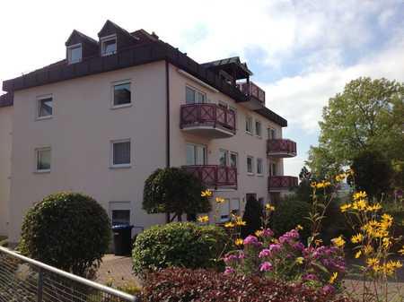 Schöne helle 4-Zimmer-Wohnung mit S/W-Balkon und TG am Sinnberg, zentral und ruhig! in Bad Kissingen