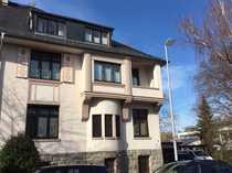 Traumhafte Altbauwohnung mit Balkon und