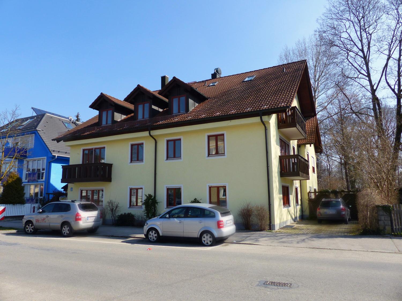 Großzügige 4 Zi.-Wohlfühl-Wohnung direkt am Ostpark/Michaelibad in Perlach (München)