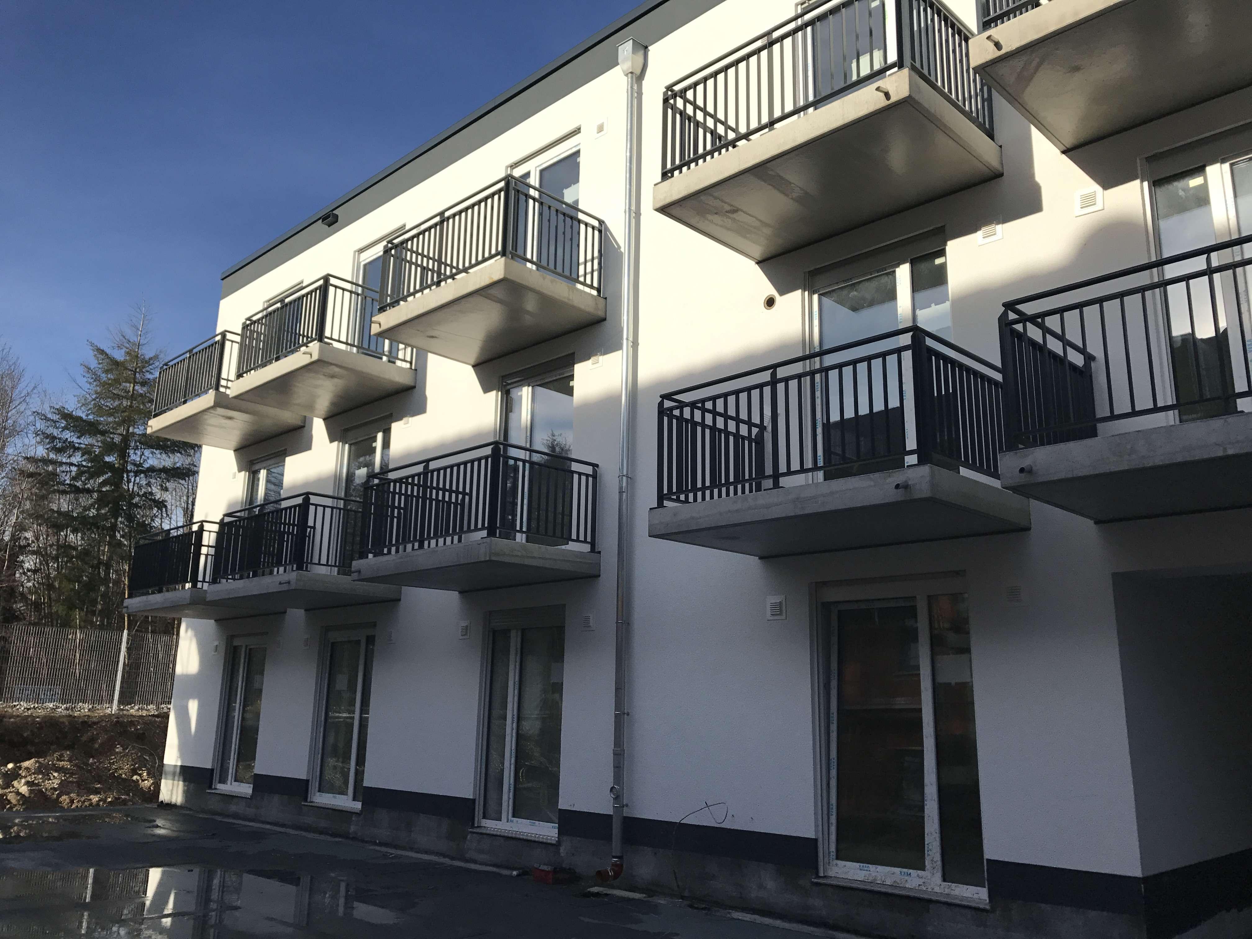 Neubau in Neubiberg* direkt an der S-Bahn *möblierte Wohnung * Küche mit EBK* Parkett *