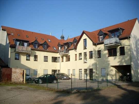 Helle 2 Zi. Wohnung mit Balkon direkt im Zentrum von Zerbst