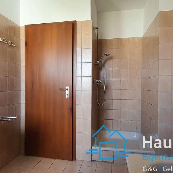 *** schöne und helle 4 Zimmer-Maisonette-Wohnung mit Balkon und Garage, Soers ***
