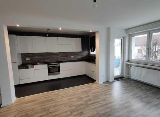 Helle renovierte 3-Zimmer-Wohnung mit Balkon und EBK in Düsseldorf Nähe Unternehmerstadt