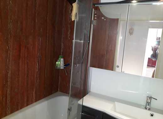 Möbliert  3-Zimmer-Penthouse-Wohnung mit EBK