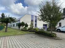 Produktionshallen moderne Büros Garagen und
