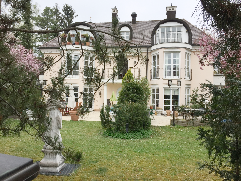 Exklusive 2-Zimmer Dachterrassenwohnung in elegantem Wohnhaus in Obermenzing (München)