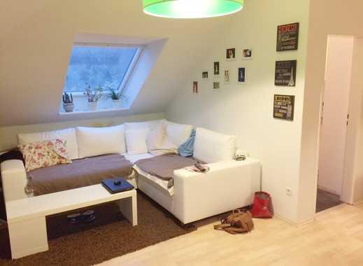 Helle Dachgeschosswohnung in Anderten mit Dachterrasse