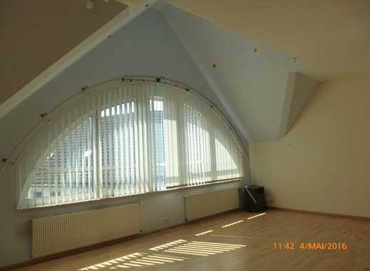 Renovierte, exklusive 4-Zimmerwohnung