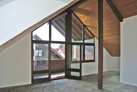 SCHÖNE HELLE 3-Zi- DG-Whg., ca. 95 m²Wfl., Balkon, Garage in Weißenhorn