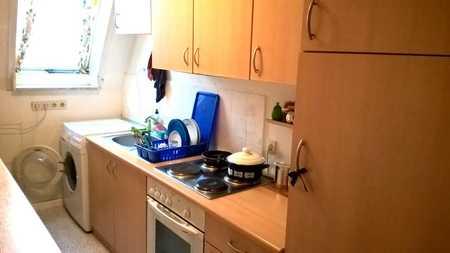 Exklusive, modernisierte 2-Zimmer-Wohnung mit Balkon und EBK in Erding in Erding