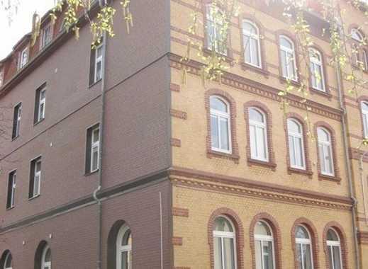 2-Raum-Altbauwohnung mit Einbauküche im Stadtzentrum