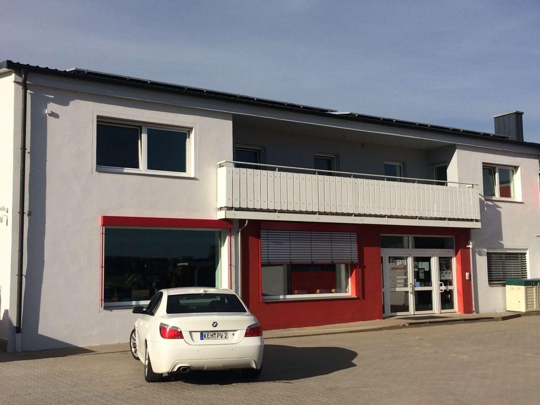 Schöne, geräumige fünf Zimmer Wohnung in Hemau Lkr. Regensburg in