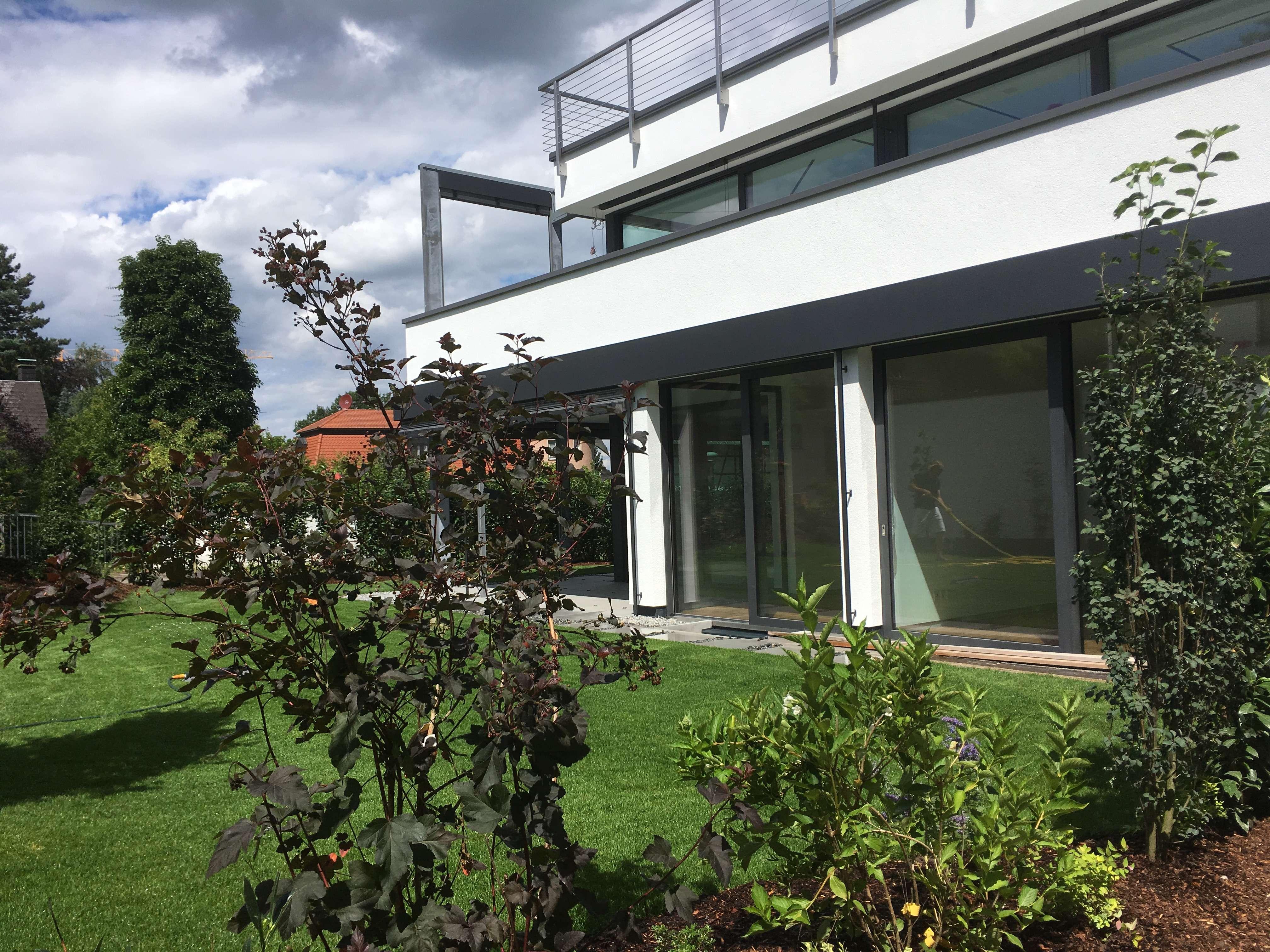 ein Traum - exklusive,moderne 4-Zimmerwohnung in Erlangen - beste Lage Burgberg mit Garten in Erlangen Nord- Burgberg (Erlangen)