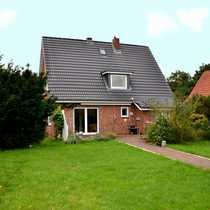 Bredstedt- Einfamilienhaus mit tollem Garten