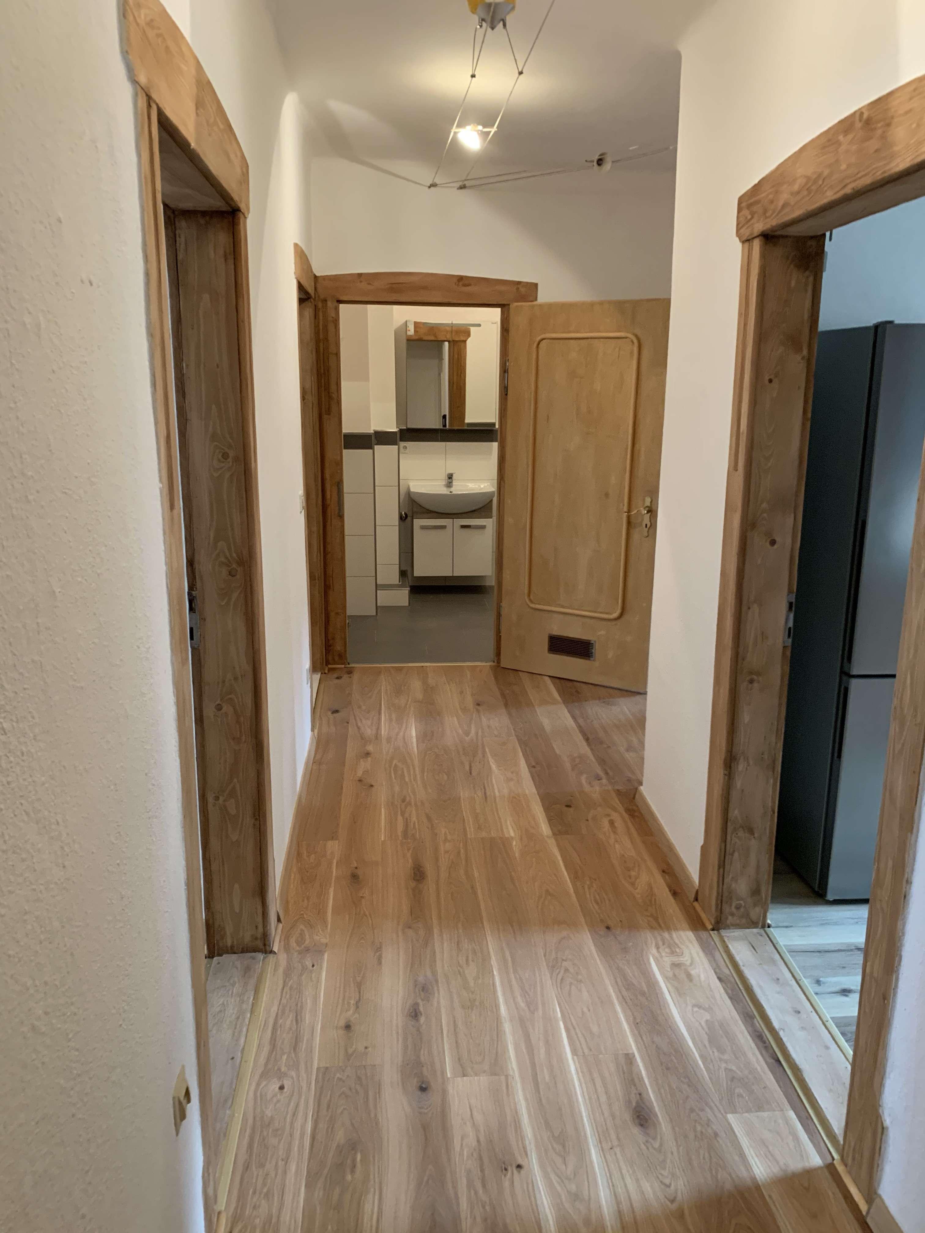 Helle vollständig renovierte 3-Zimmer-Altbauwohnung mit Balkon und Einbauküche in Nürnberg in Veilhof (Nürnberg)