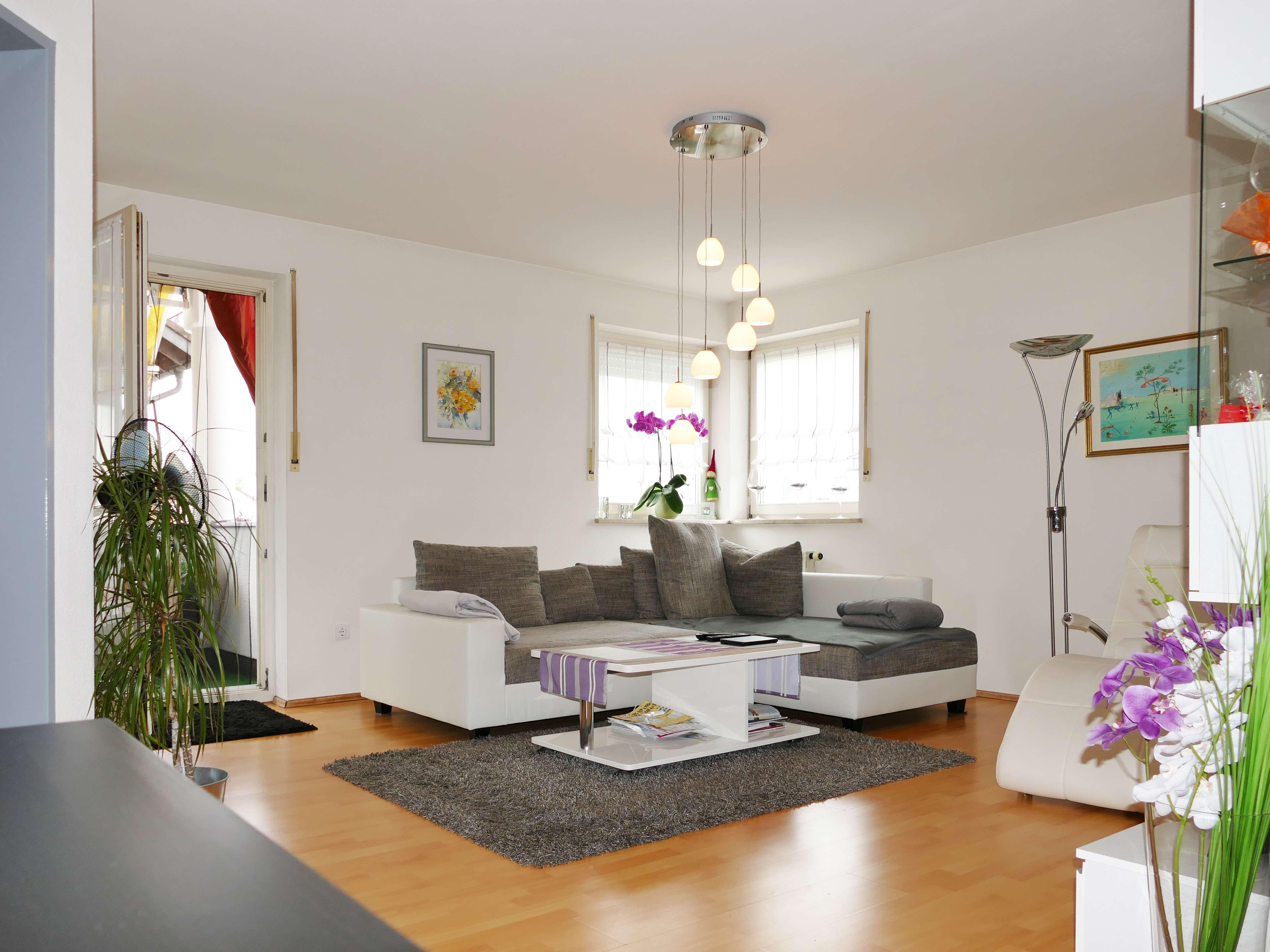 3,5-Zi.-Wohnung mit EBK, hell, 75 qm (von privat - ohne Provision)