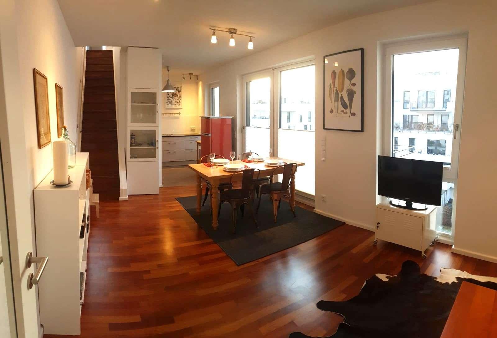 Schöne und geräumige 3 Zimmer Wohnung in Obergiesing mit Dachterasse und Einzelstellplatz in Obergiesing (München)