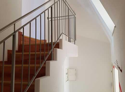 Attraktive 3-Zimmer-Maisonette-Wohnung mit EBK und Balkon sucht Nachmieter