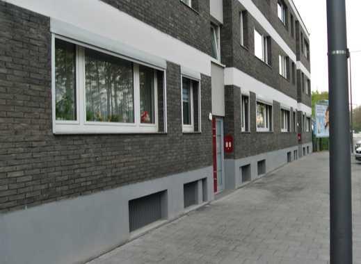 Schöne 2-Zimmer-Hochparterre-Wohnung mit Balkon in Niehl, Köln
