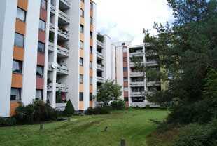 Geräumige 2 Zimmer Wohnung mit Balkon und EBK in Nürnberg in Großreuth b. Schweinau (Nürnberg)