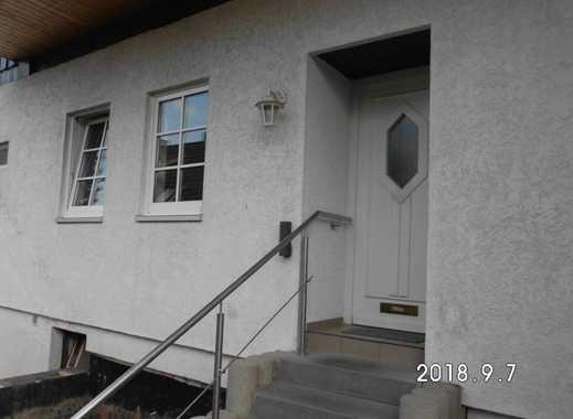 Günstige, gepflegte 3-Zimmer-Erdgeschosswohnung mit Balkon und Einbauküche in Holzminden (Kreis)