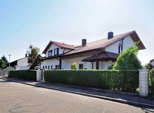 Großzügiges Einfamilienhaus mit traumhafter Gartenlandschaft und Pool in 77731 Willstätt