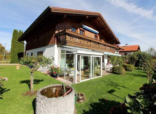Gepflegtes Zweifamilienhaus  mit Wintergarten und Garage  in ruhiger Lage
