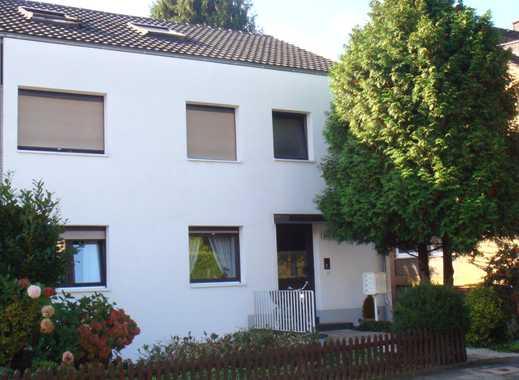 ***Kaarst-City, Bestlage! Gepflegtes 3-Familien-Haus, Terrasse, Balkon, Garage -Vollvermietung!***