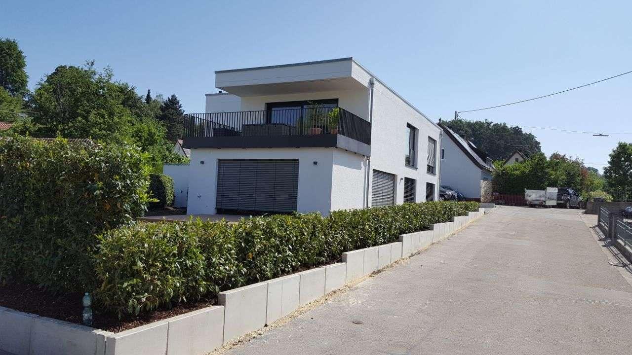 Luxuriöse und großzügige Wohnung mit schöner Dachterrasse in Richtung Westen in