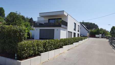 Luxuriöse und großzügige Wohnung mit schöner Dachterrasse in Richtung Westen in Günzburg