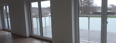 Neuwertige 4-Zimmer-Penthouse-Wohnung mit Balkon und EBK in Porta Westfalica