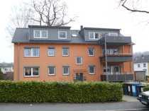 Neuwertige 4-Raum-Dachgeschosswohnung mit Balkon in
