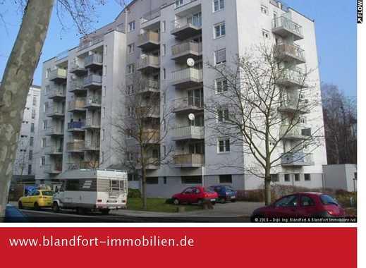 Garagenstellplatz in Saarbrücken-Preussenstraße  Ideal für Cabrio oder Zweitwagen