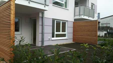 Sonnige 2-Zimmer-Terrassenwohnung mit 27 qm Garten in Neumarkt-Sankt Veit in Neumarkt-Sankt Veit
