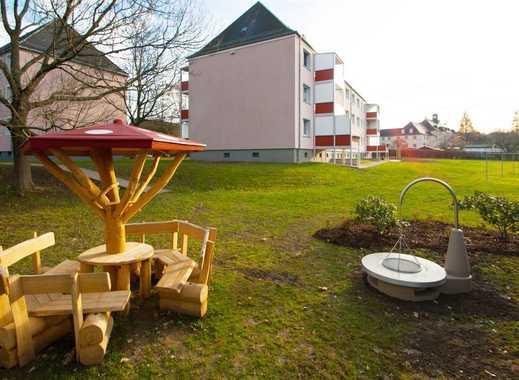 Idyllisch am Küchwald wohnen. Moderne, schön sanierte 2-Raum-Wohnung mit Balkon und Küche