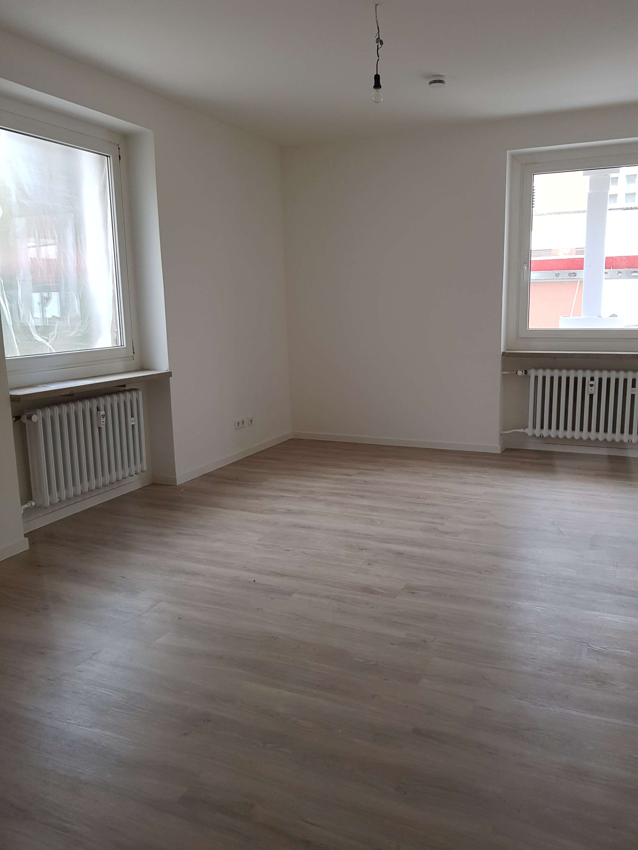 Erstbezug mit Balkon: ansprechende 2,5-Zi.-Wohnung in Feucht senioren und behindertengeeignet in Feucht (Nürnberger Land)