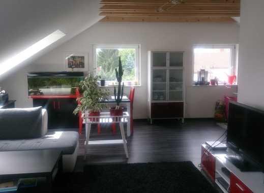 helle, moderne Dachgeschosswohnung in Lu-Gartenstadt (Teilmöbliert)