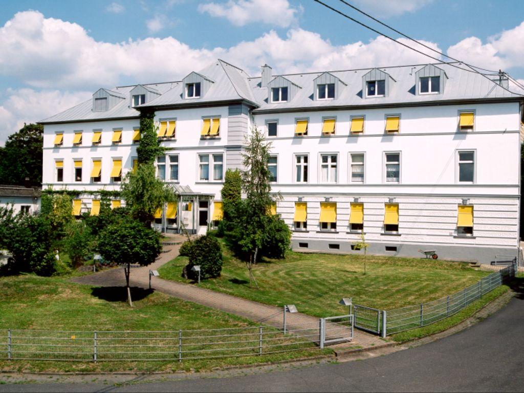 Villa Rheinau, Hauptgebäude
