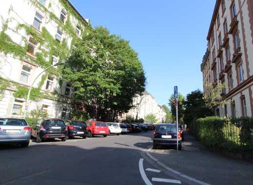 Vorausschauend investieren: 5-Familienhaus in nachgefragter Lage von F-Nordend(West)!!