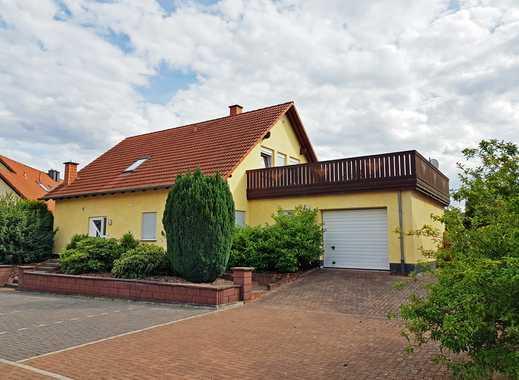 Direkt beziehbares Einfamilienhaus mit großzügigem Garten und Garage