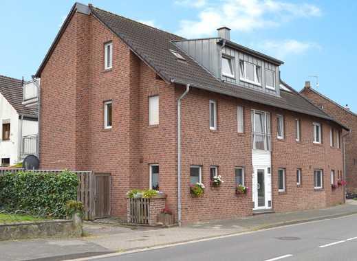 Gepflegte Dachgeschoss-Wohnung + 2 Sonnen-Balkone + Garage + verkehrsgünstig... in Viersen
