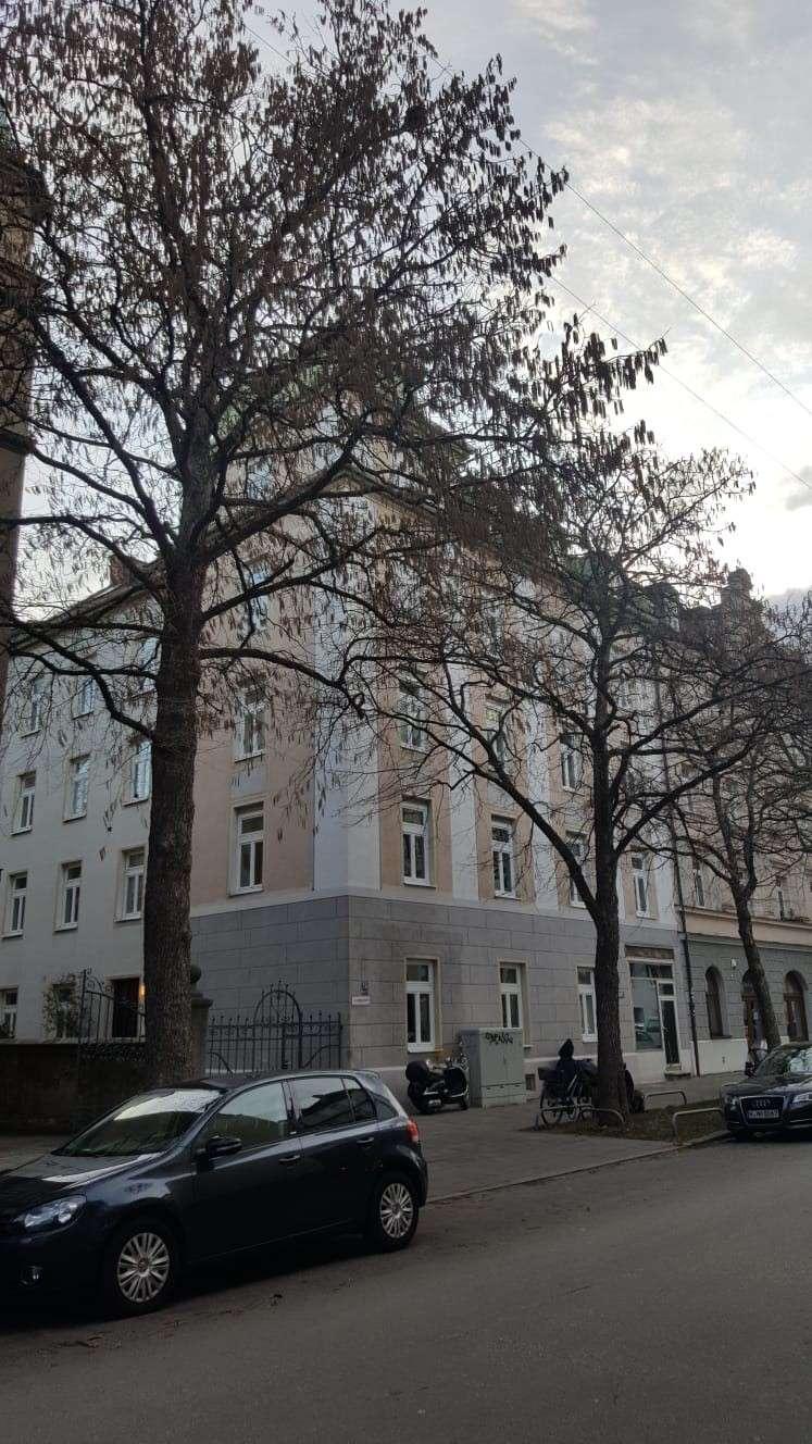 Charmante, teilmöblierte 2-Zimmer-Wohnung mit EBK in Neuhausen, München in Neuhausen (München)