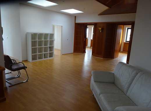 Komplett renovierte WG - Wohnung - Best Lage - Provisionsfrei -