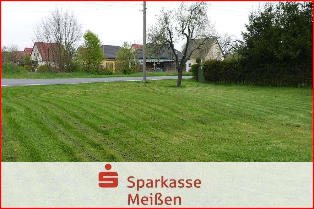 Baugrundstück in Brockwitz (Großenhain) - Leben und Wohnen auf dem Land - Grundstück zum Kauf in Lampertswalde