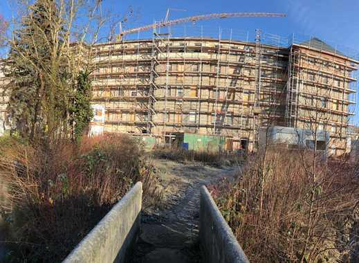 Wachgeküsste Schönheit am See: Liebevoll sanierte 3-Zi.-Altbauwohnung mit 2 großen Süd-Balkonen