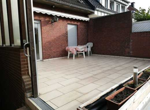 Sanierte 4-Zimmer-EG-Wohnung mit Balkon in Moers