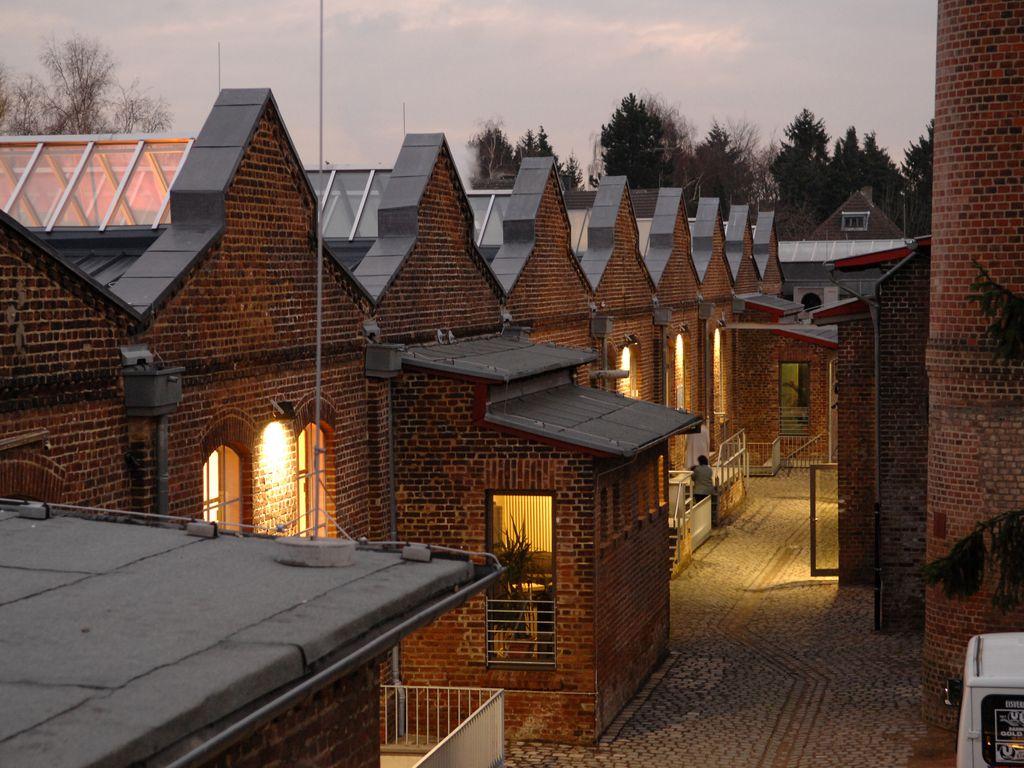 1 1. Stiftung Fabrik für Kultu