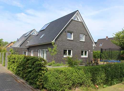 Ofenerdiek: Modernes EFH (KfW 70) mit Garten in familienfreundlicher Lage